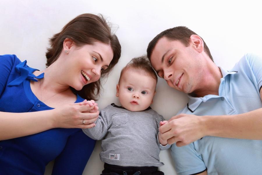 Szülők és csecsemő