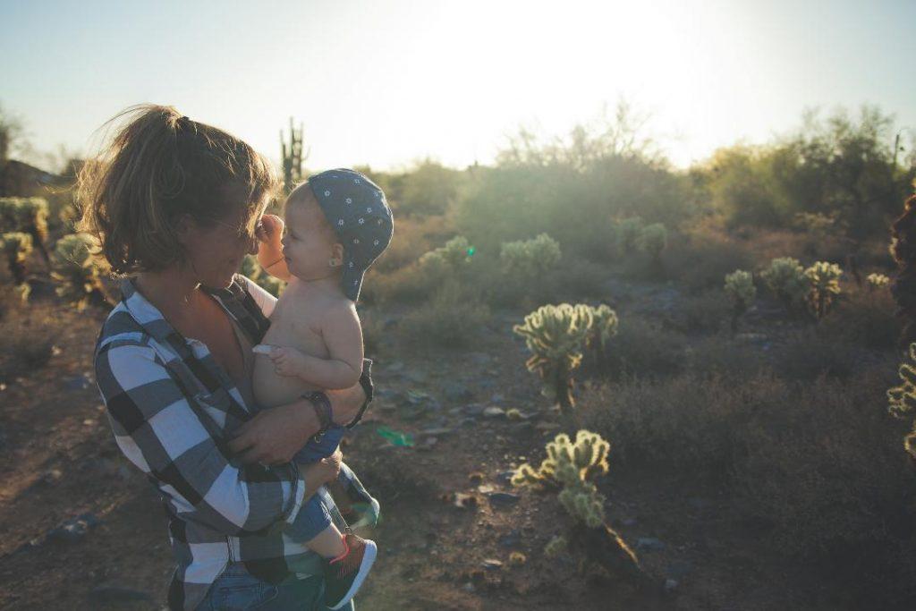 Anya csecsemővel